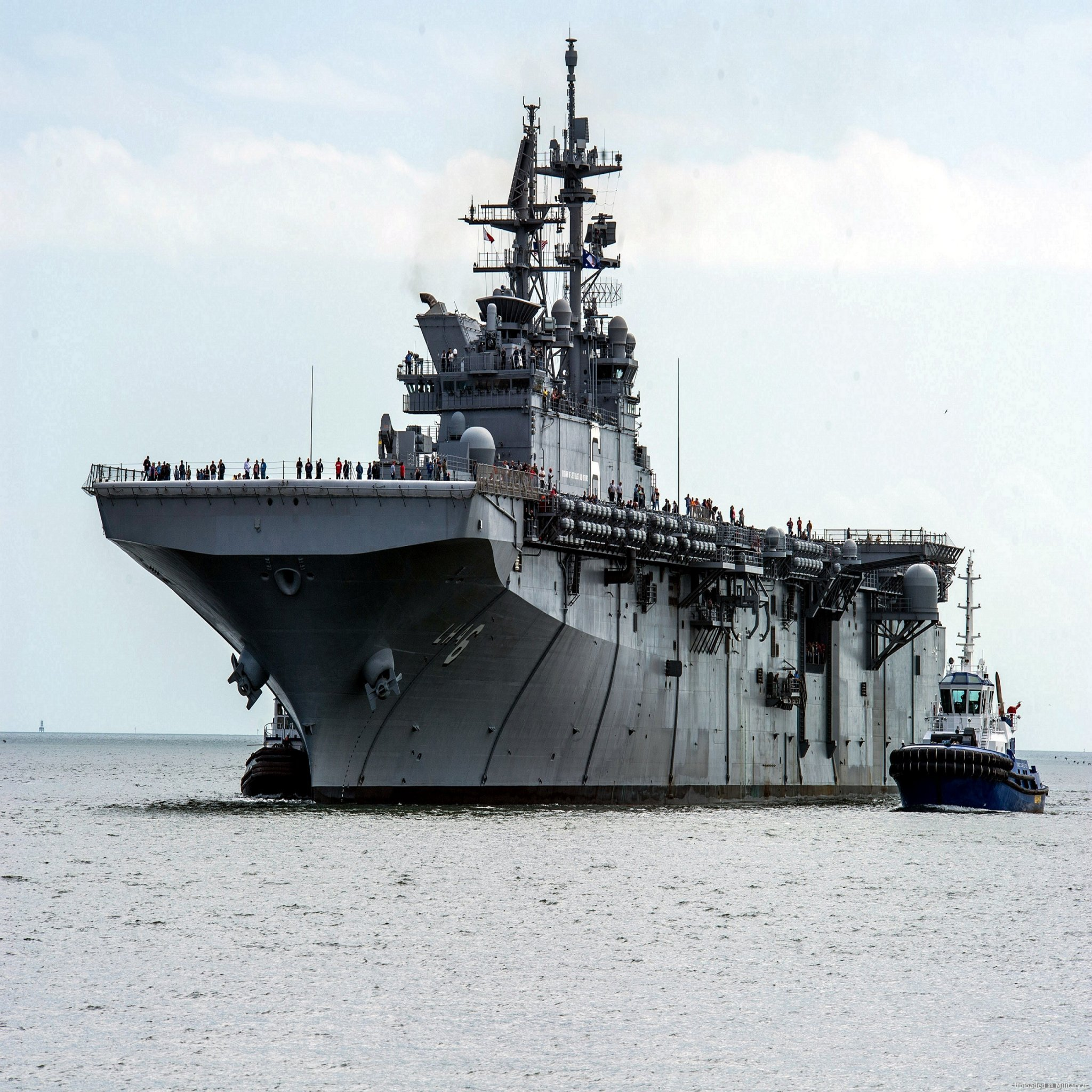 USS_America_28LHA-629_off_Pascagoula_in_