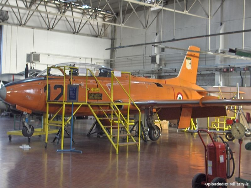 800px-Aermacchi_MB-326_Italian_Air_Force