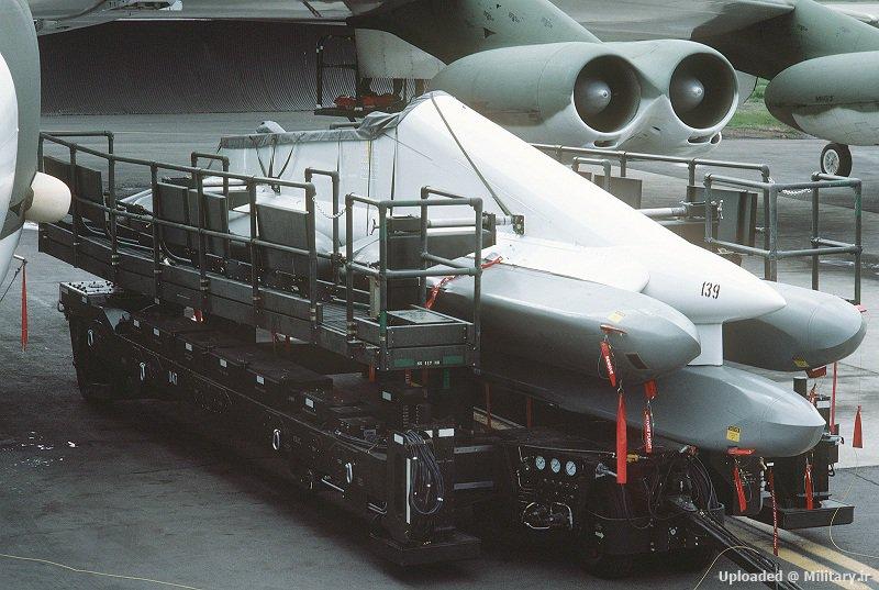 AGM-86_s_pylon_on_the_remote_control_trailer.JPEG