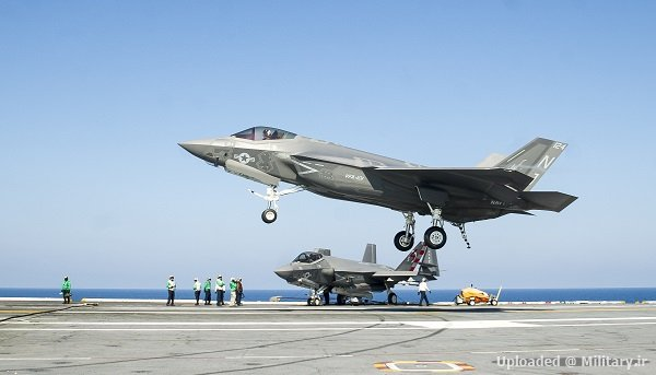 F-35C_Lightning_II_of_VFA-101_lands_on_U