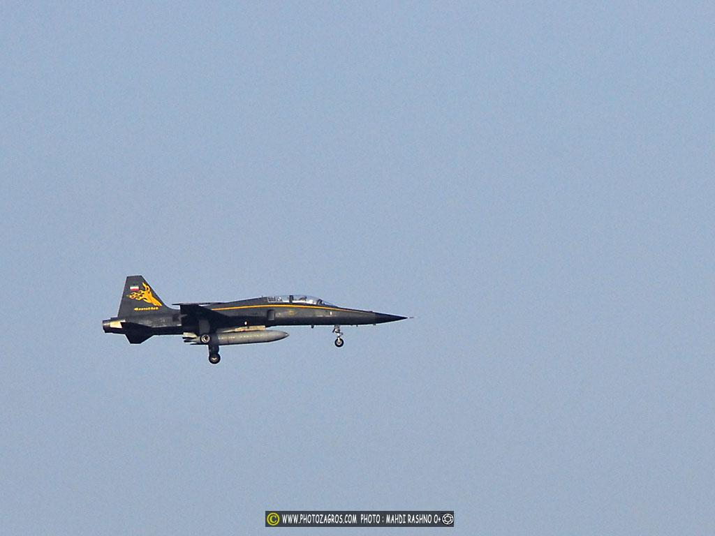 IRIAF_lightning_AIR_FORCE_IRAN_3.JPG